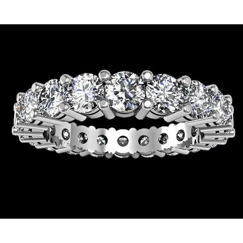 Золотое кольцо с крупными бриллиантами