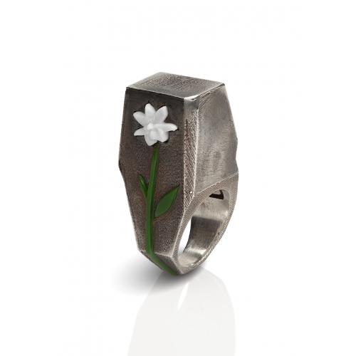 Эксклюзивное кольцо из серебра АА0102