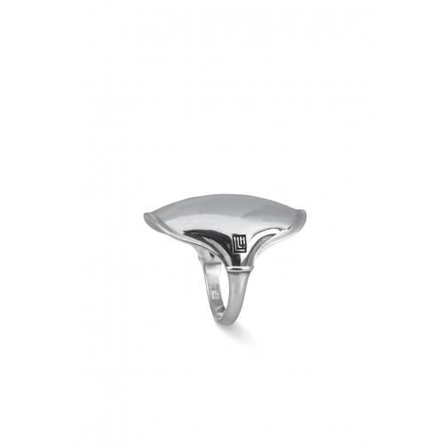 Эксклюзивное кольцо из серебра АА0104