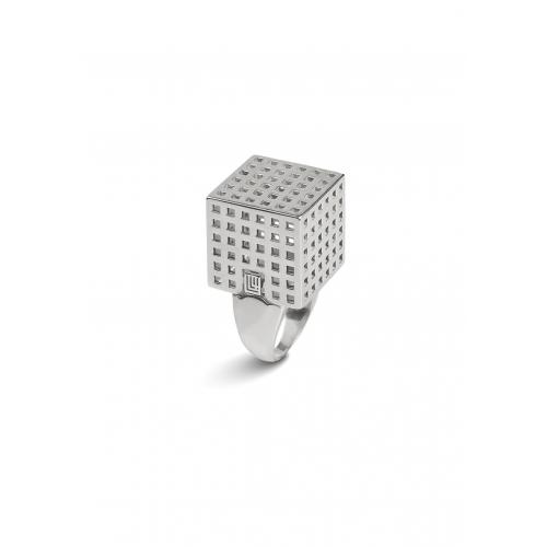 Эксклюзивное кольцо из серебра АА0105