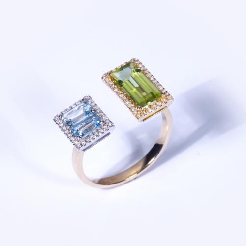 Кольцо из желтого золота с топазом, хризолитом и бриллиантами