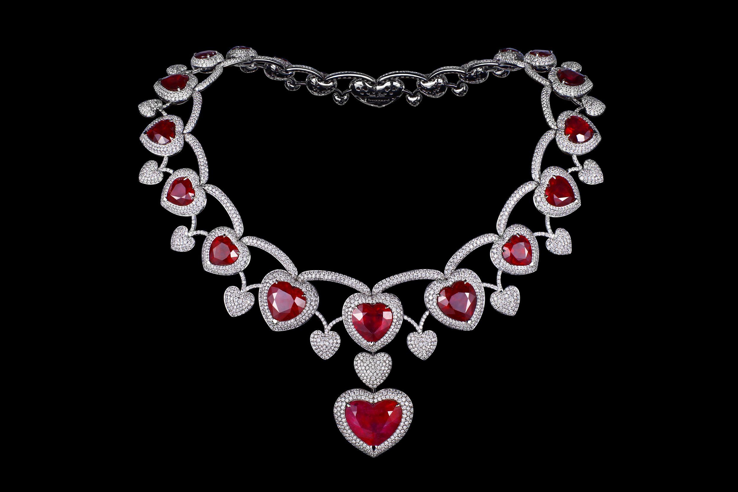 Колье рубиновое сердце