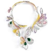 В 2012 году Дом Boucheron представил колье Bouquet d'Ailes, вдохновленное хрупким миром ар-нуво.