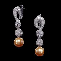 Серьги Poison for pearl snake с натуральным морским жемчугом и бриллиантами. Коллекция buzzard